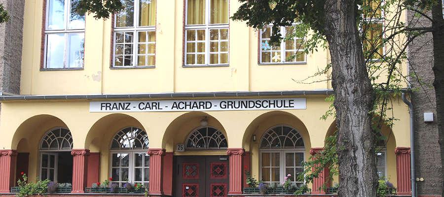 Turnhalle der Franz-Carl-Achard-Grundschule