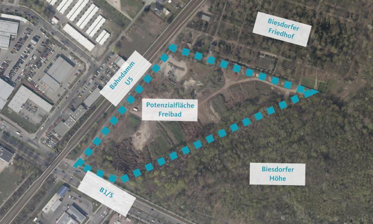 Mehrfach wurde die Präsentation der Untersuchung für Potenzialflächen für ein Freibad verschoben. Nun zeichnet sich mit dem Biesdorfer Friedhofsweg ein gangbarer Weg ab. Da sich der Senat vor der Finanzierung drückt, gehen wir andere Wege.