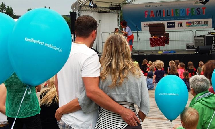 Am kommenden Wochenende ist es soweit: Unser großes Familienfest Mahlsdorf kehrt zurück auf den Durlacher Platz. Alle Informationen zum großen Familienfest-Wochenende finden Sie hier...